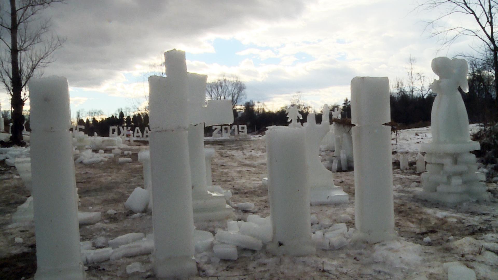 Льодове містечко спорудили на Коломийщині (відеосюжет)