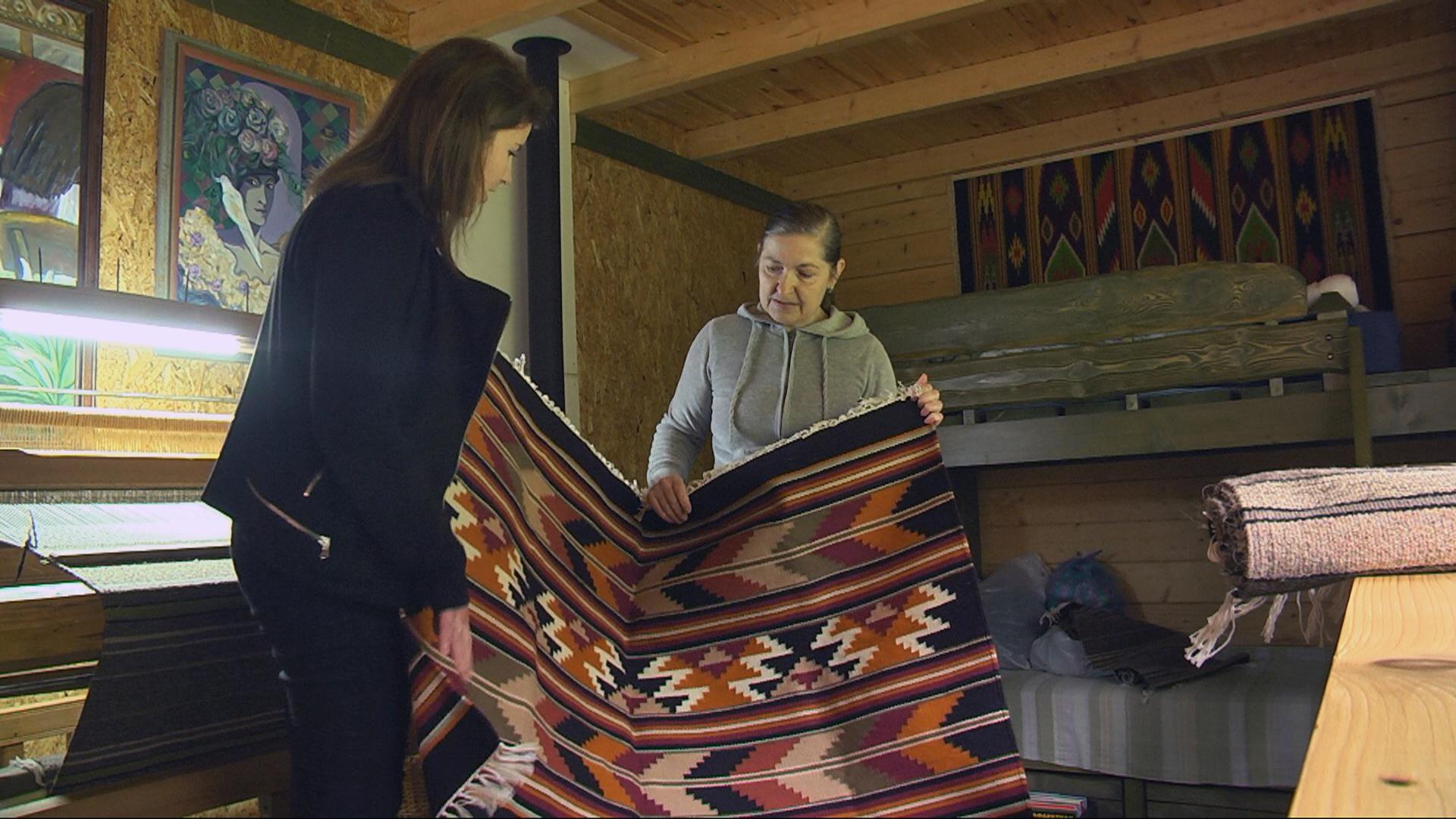 Кримська художниця відроджує килимарство на Гуцульщині (відеосюжет)