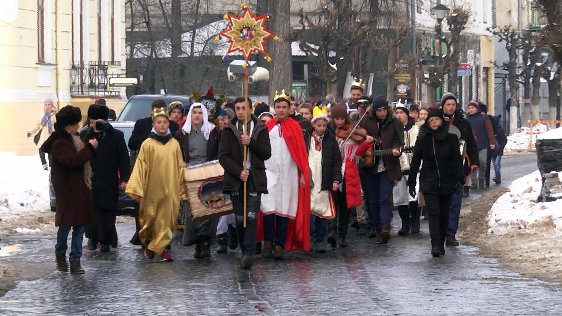 Фестиваль вертепів відбувся у Коломиї (відеосюжет)