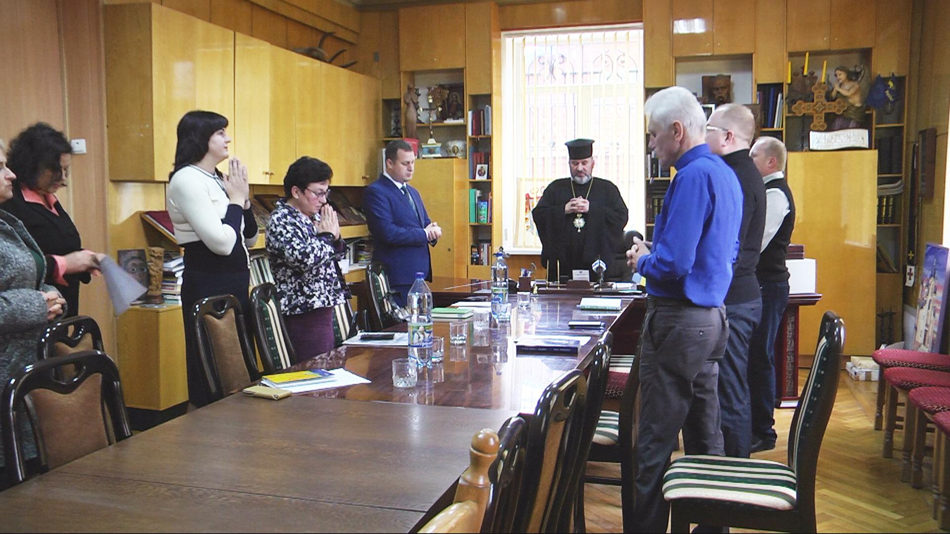 Коломиян та гостей міста запрошують на фестиваль духовної пісні (відеосюжет)