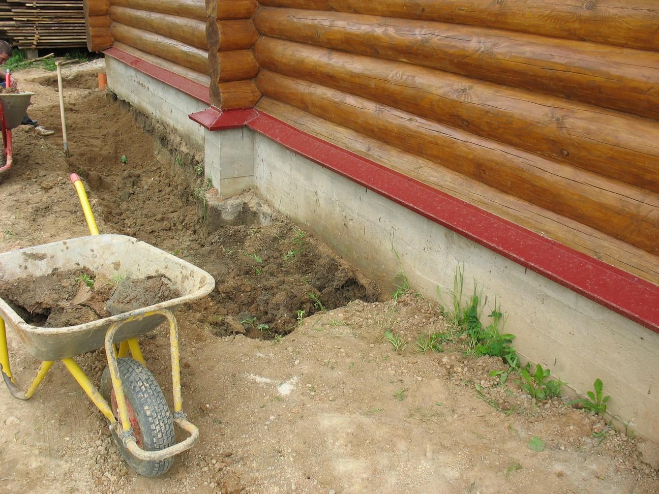 Как утеплить завалинку в деревянном доме - FORUMHOUSE 76