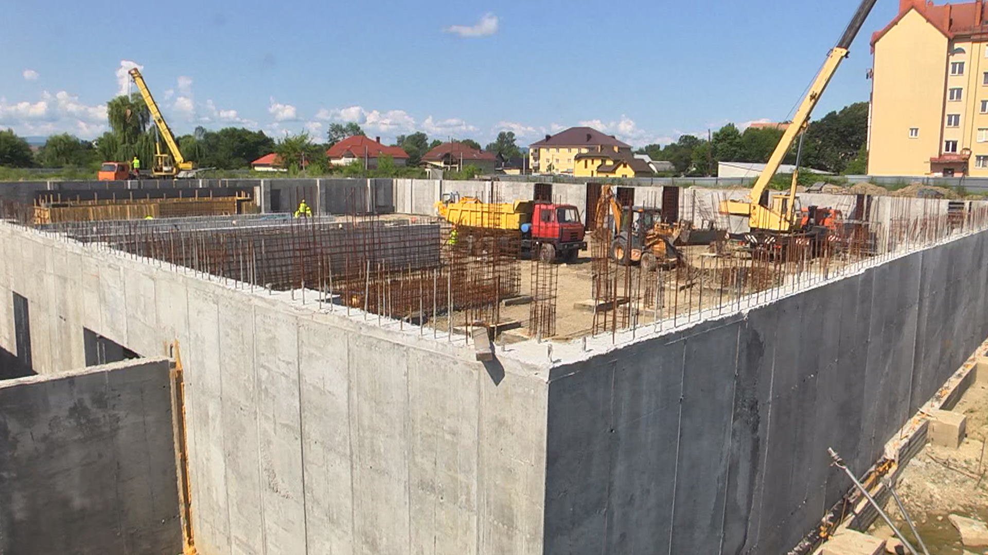 У Коломиї триває будівництво басейну (відеосюжет)