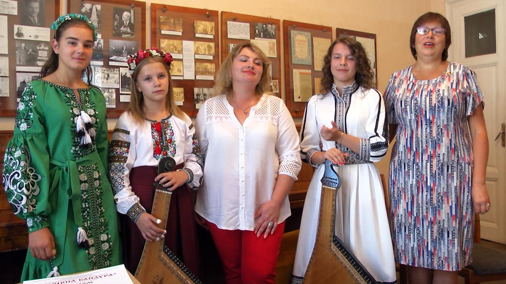 Юні коломийські музикантки здобули призові місця на Всеукраїнському конкурсі (відеосюжет)