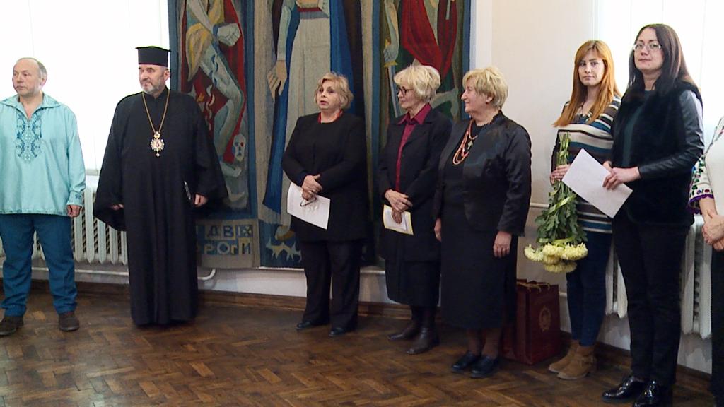 """Результат пошуку зображень за запитом """"У Коломиї презентували виставку гобеленів львівських художниць-дисиденток (відео)"""""""