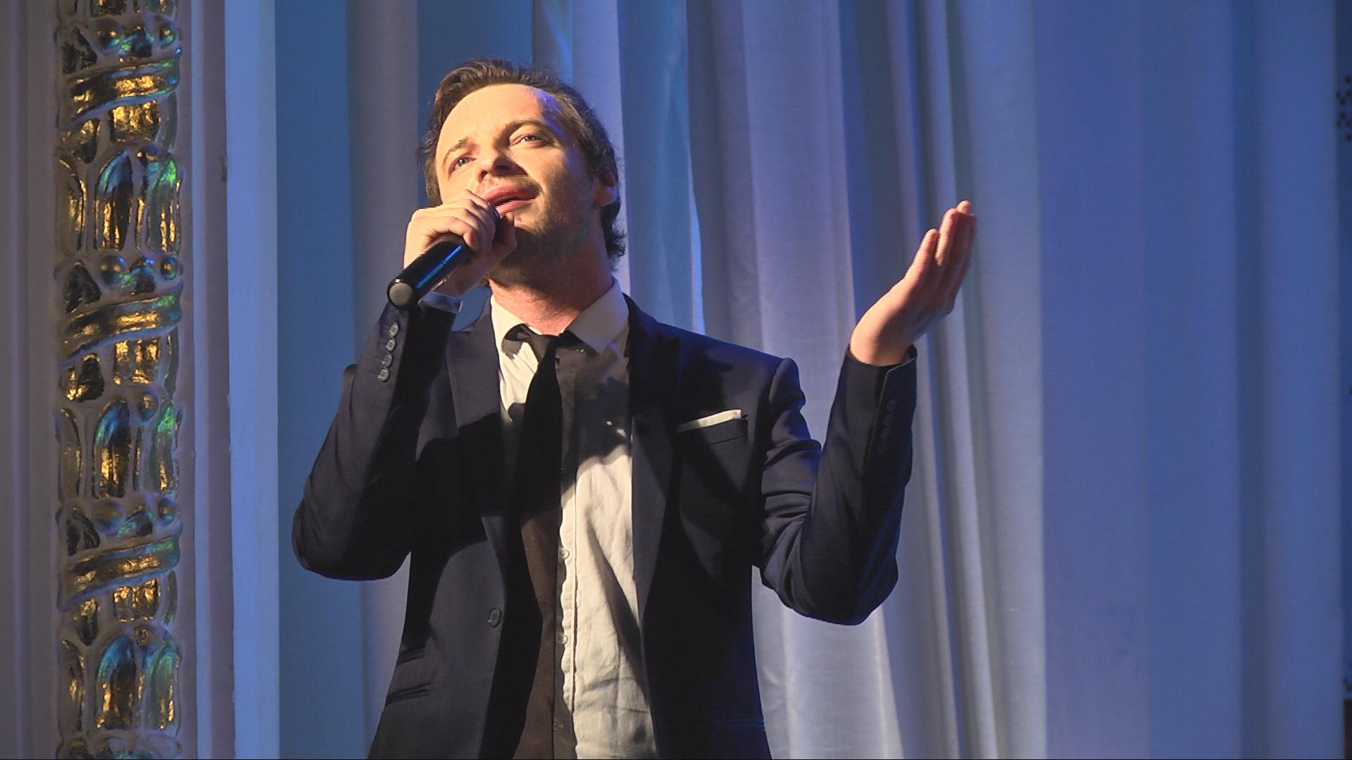 Днями у Коломиї відбувся концерт французького співака (відеосюжет)