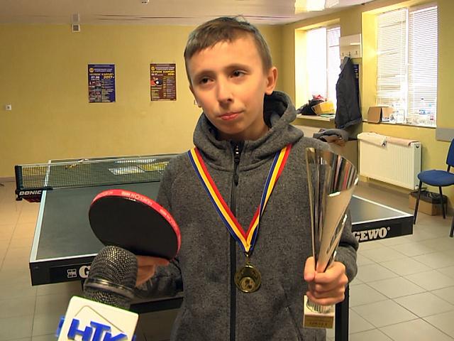 Тенісист з Коломиї здобув золото міжнародного турніру в Румунії (відео)