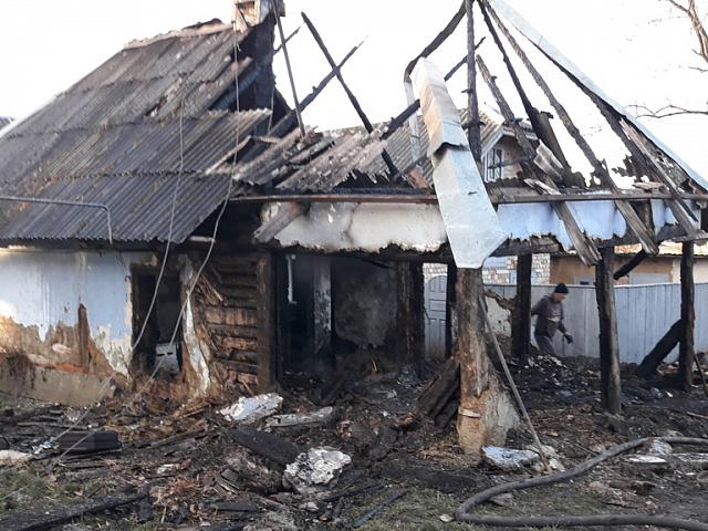 На Коломийщині під час пожежі знайшли мертву жінку (відео)