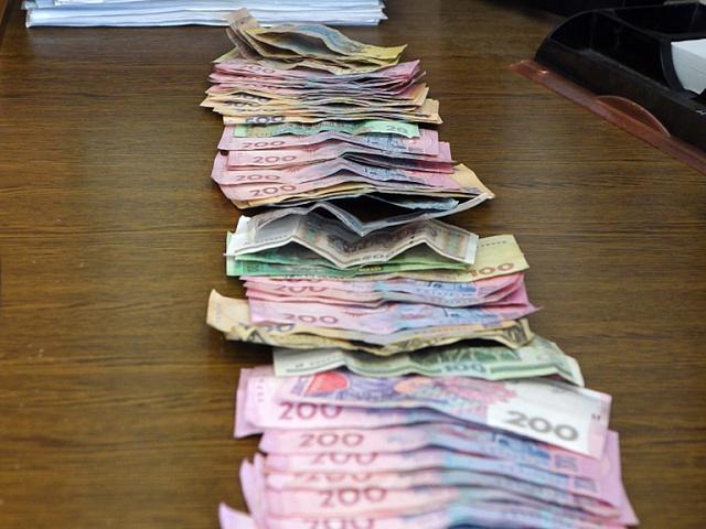 У франківчанки викрали 36 тисяч гривень, 650 доларів, золото та срібло (відео)