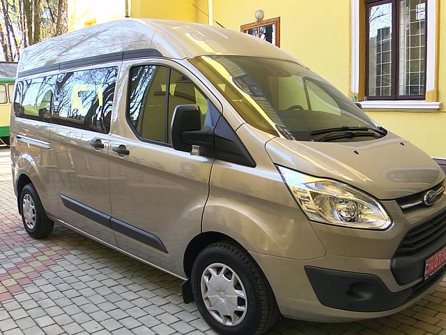 Музейники Коломийщини отримали у подарунок автомобіль (відеосюжет)